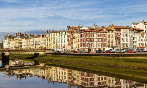 Investissement immobilier : les villes plébiscitées par les Français sont-elles vraiment rentables ?
