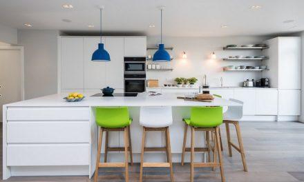 Redonner vie à sa cuisine avec des meubles personnalisés